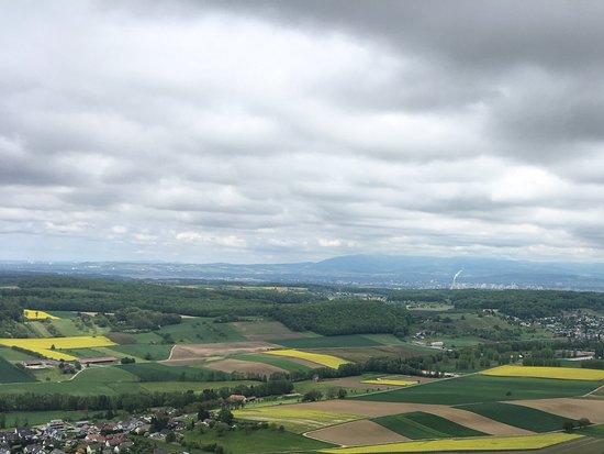 Leymen, Frankrike: Sicht nach Basel und dem Schwarzwald