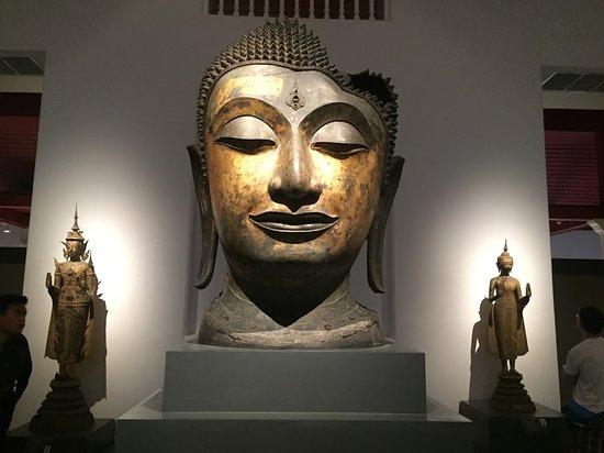 พิพิธภัณฑสถานแห่งชาติกรุงเทพ: inside the museum