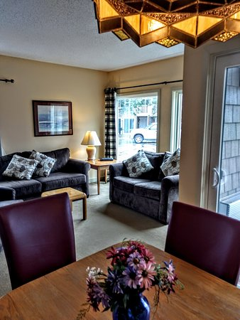 Intervale, NH: Living Rooms with game table area provide space to spend quality time with your family and frien