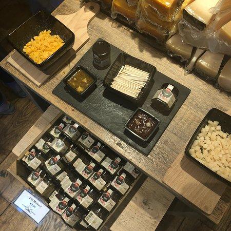 Amsterdam Cheese Museum: photo0.jpg