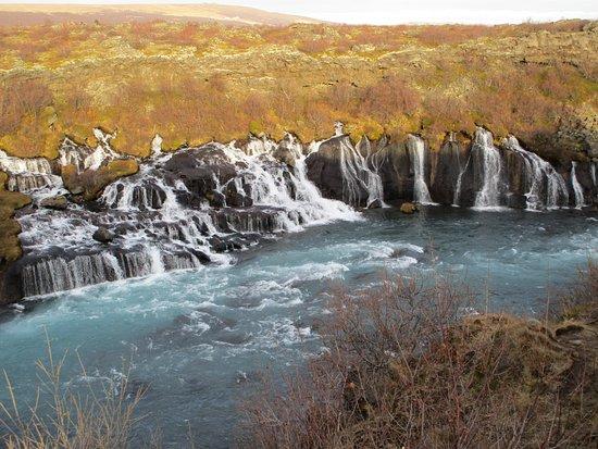 Husafell, Island: Hraunfossar im Oktober