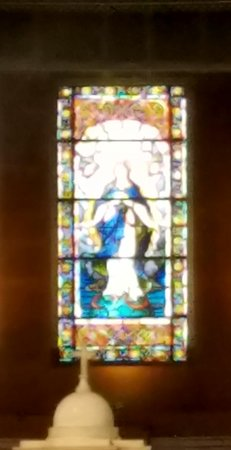 St. Mary's Pro-Cathedral: Stained glass above alter