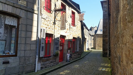 Chatelaudren, France: la rue
