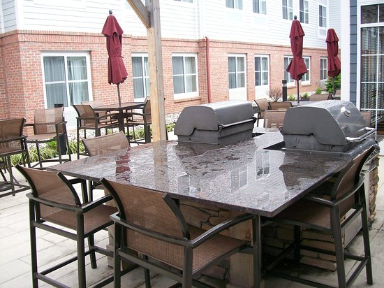 Branchburg, NJ: The very nice outdoor Patio Area, with 2 Grills, and Basketball Court.