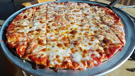Rich's Pizza: Sometimes all you need is a cheese pizza!