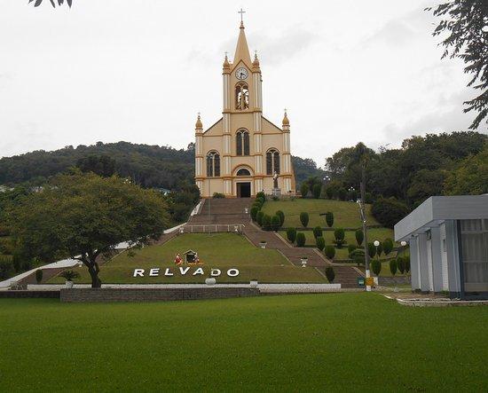 Relvado, RS: Praça Harmonia e Igreja