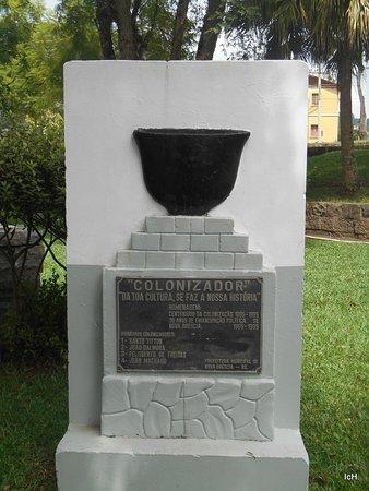 Nova Brescia, RS: Praça da Matriz de Nova Bréscia