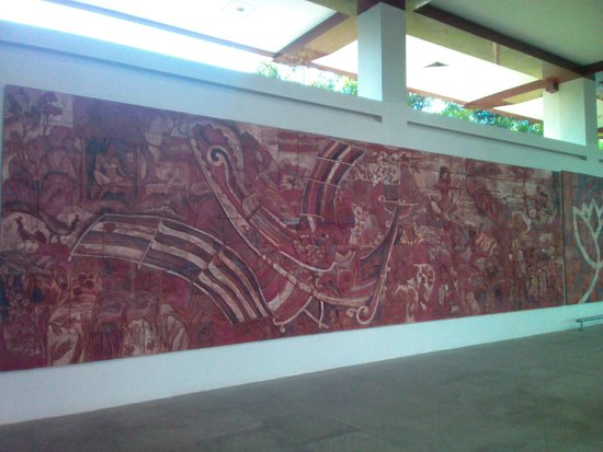 Mattala - RIAirport - murual 1 detail with legendary flying machine ofancient Lanka King Rama