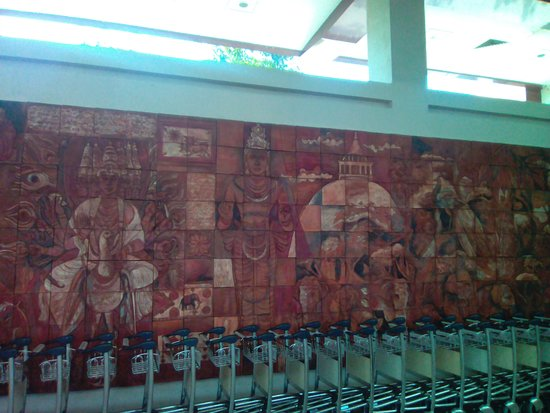 Mattala - Rajapaksa International Airport - murual 2 detail 2