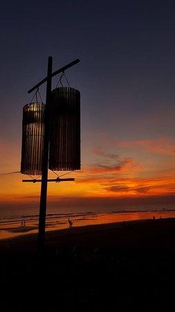 Breeze at The Samaya Seminyak: Gorgeous sunset
