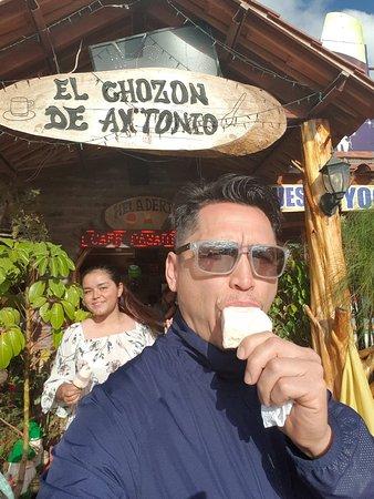 Tambillo, Ekuador: Heladitos