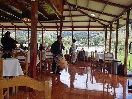 Sicuani, เปรู: musica instrumental