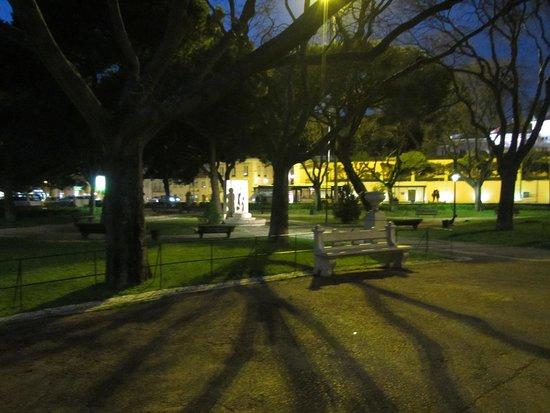 Praca Afonso de Albuquerque: View across the park