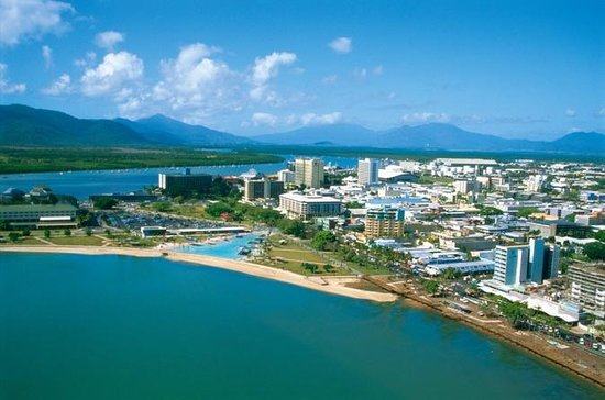 Small-Group Cairns City and Surrounds...