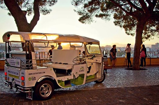 City Tour Tuk-Tuk privada de Lisboa...