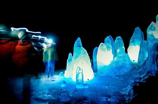Exploración de la cueva Lofthellir...