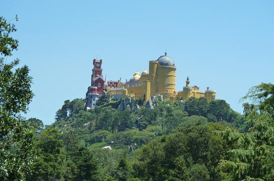 Sintra and Wine Tasting Tour