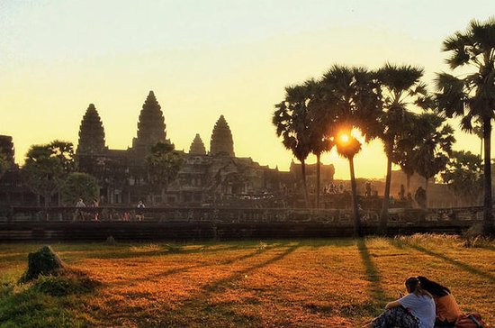 Angkor Wat Sunrise - tour privado de...