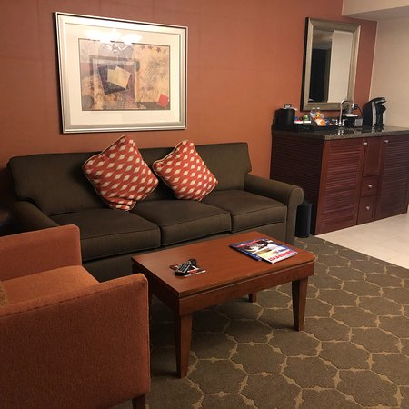 Embassy Suites by Hilton Denver Tech Center North: photo0.jpg