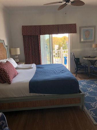 Avenue Inn & Spa: King Room