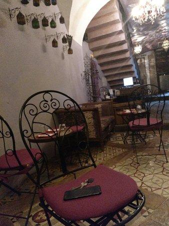 Hotel la Boheme: IMG_20180423_090743_403_large.jpg