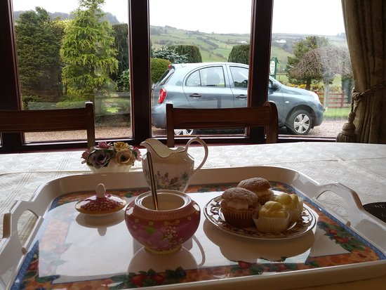 Cushendun, UK : Afternoon Tea in dining room