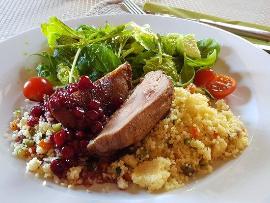 Rusne, Lituanie : Изысканное блюдо: Утка с брусничным соусом