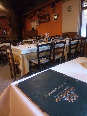 Sigillo, İtalya: Ristorante