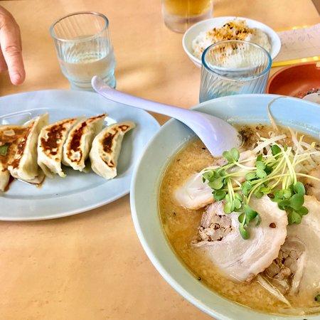 Minowa-machi, Japan: 味噌チャーシューとAセット(ライス+餃子) 920円