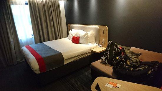 Фотография Holiday Inn Express Milton Keynes
