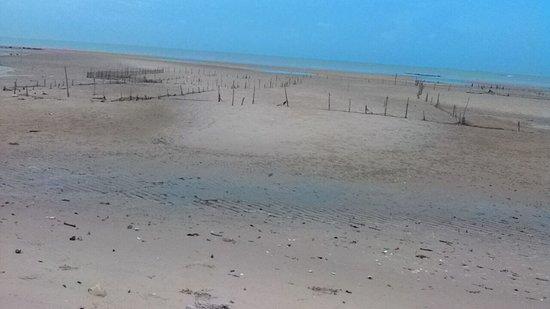 Tarakan, إندونيسيا: Surut di pantai amal