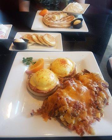 Keke's Breakfast Cafe: Eggs Benedict