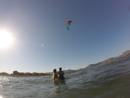 Alcudia, Hiszpania: kite surfing in Pollens bay