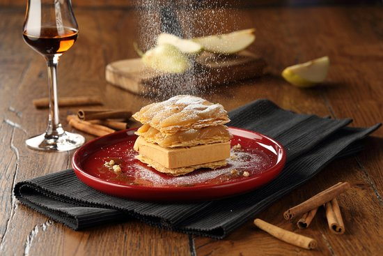 Chapter Restaurant: millefeuille with caramel ice-cream