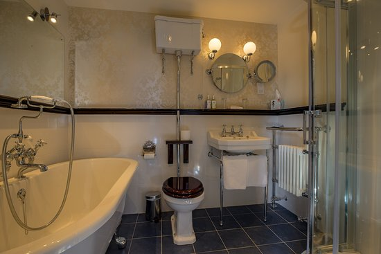 En Suite Bathroom With Roll Top Bath Separate Power Shower Ghan