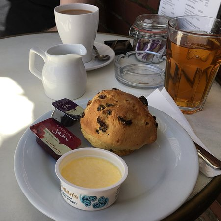 Cafe St Pierre Photo