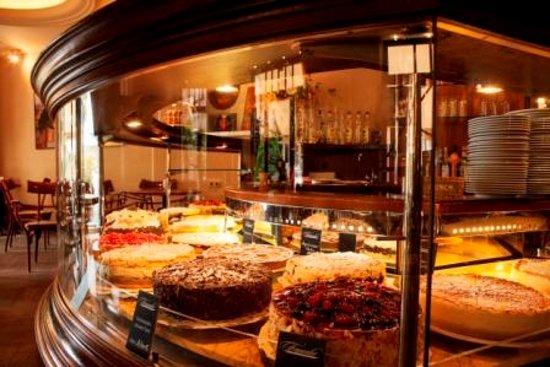 Café & Restaurant Frauentor: Leckere Torten im Café Frauentor in Weimar