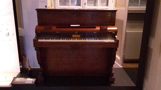 Chopin Salon: Piano Droit