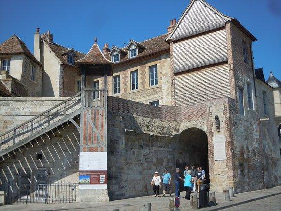 Honfleur, Fransa: Le bâtiment