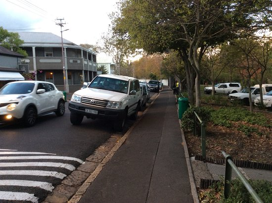 Wynberg, South Africa: On and off street parking
