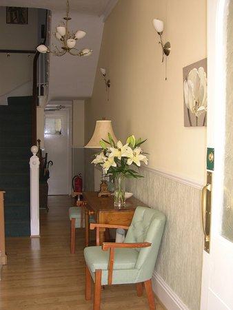 موستين هاوس - جيست هاوس: Receiption Hallway