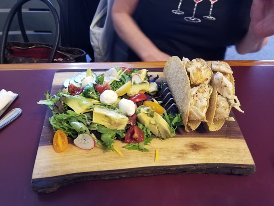 Erin, Canada: Seafood Taco and salad