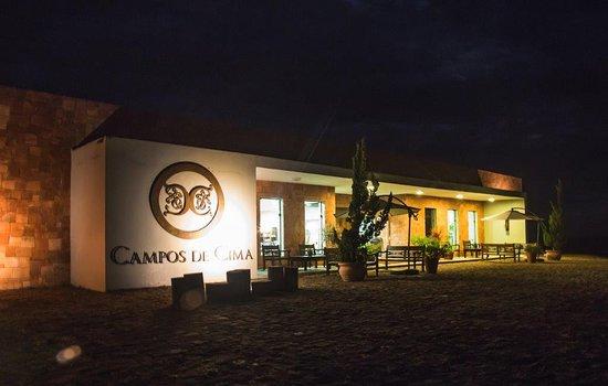 Itaqui, RS: Vinícola Campos de Cima de noite