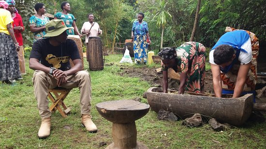 "Kigali Province, Ρουάντα: Banana Beer Making"""