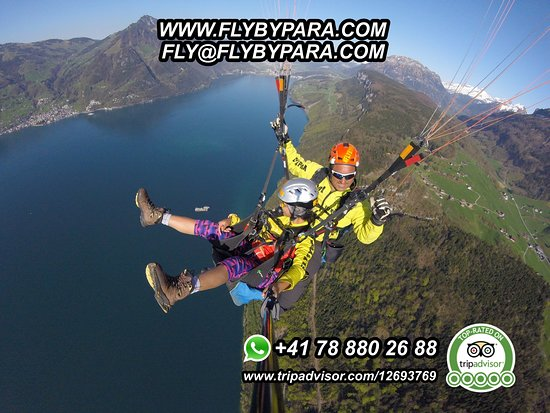 Engelberg, Suisse : #FLYBYPARA again in the skies, enjoying the most beautiful landscapes, enjoying new adventures,