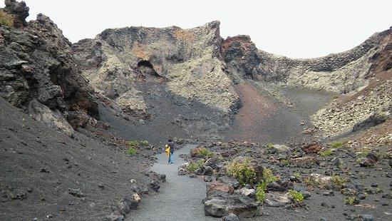 La Asomada, สเปน: Bajando a la caldera