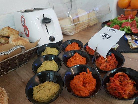 Shtip, สาธารณรัฐมาซิโดเนีย: Breakfast: homemade