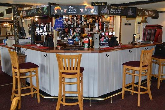 Sawbridgeworth, UK: Newly refurbished bar The Hand & Crown