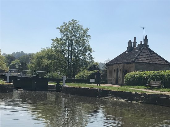 Bathampton, UK: Cruising up the river