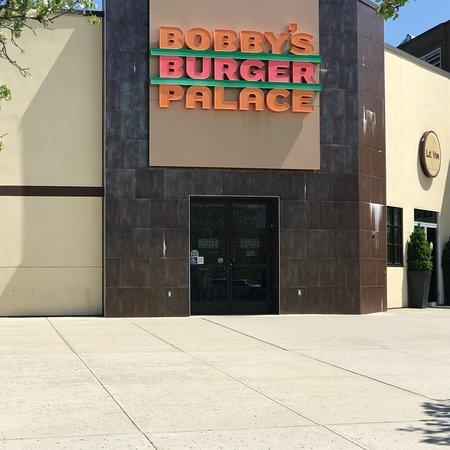 Lake Grove, นิวยอร์ก: Bobby's Burger Palace